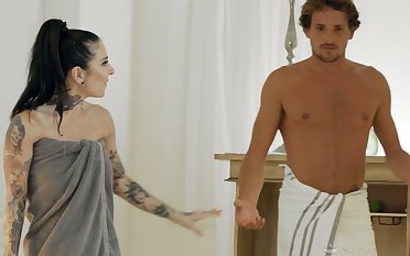 Professional masseuse Joanna Angel gives a nuru kneading close to her stepson