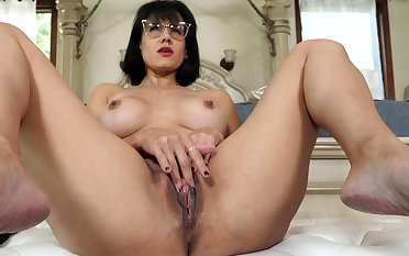 Mature stepmother masturbating vanguard be expeditious for stepson