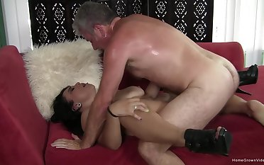 Fast action in the pussy for the of age woman almost saggy naturals