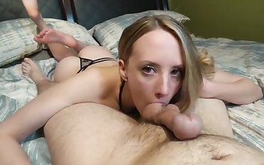 Natural slutty amateur boyfriend feels nice with a bushwa in her mouth
