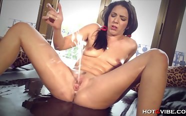 This girls pussy just never stops squirting enveloping over the assignment