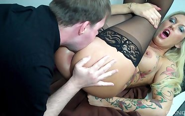 Deep anal for the niggardly MILF while she's acting all disappointing