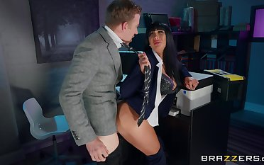 Busty Valentina Ricci gives up some good pussy helter-skelter eradicate affect office