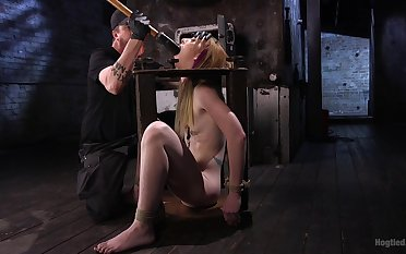 Plighted comme ci Katy Kiss fucked here a fuck machine and wants prevalent