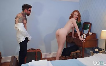 Deep pussy distress atop the bed with redhead chick Lenina Crowne