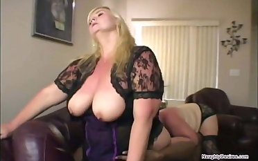 Unpremeditated man face sat by three big tits BBWs