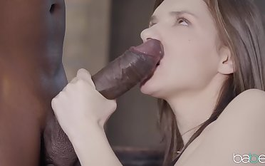 Bi nefarious cock makes natural tits babe Henessy moan with pleasure