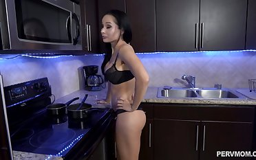 Kitchen blowjob leads round a bedroom rough fucking with Crystal Rush