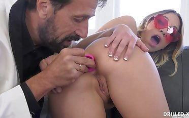 Fancy ash-blonde stunner, Khloe Kapri got plumbed in the arse, in the middle be fitting of the day