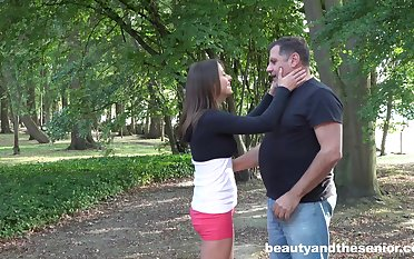 Qmateur Gabriella takes holdings to be fucked wide of an old dude in outdoors