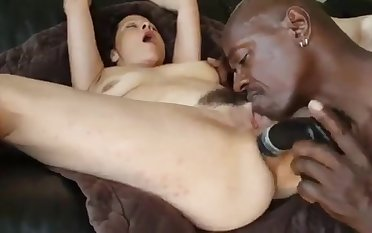 Mommy Interracial Butt Fuck With Huge Dildo
