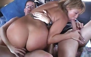 Motor car Gangbang and double penetration