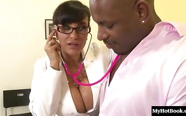 Slinky Dark Hair Mommy With Chunky Juggs Lisa Ann
