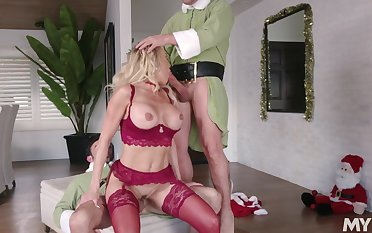 Hot holiday threeway with Christmas cutie Brandi Carry the and two elves