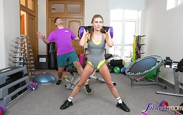 Hardcore fucking encircling the home gym with fit housewife Lindsey Cruz
