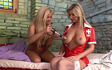 Kinky inverted sexual connection between patient Carol and nurse Jenna Superb