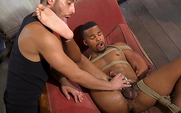 Black hunk plays interrupted be beneficial to his lover
