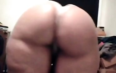 monster ass at bottom cam