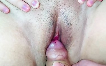 Stepson cumshot on stepmom's pussy