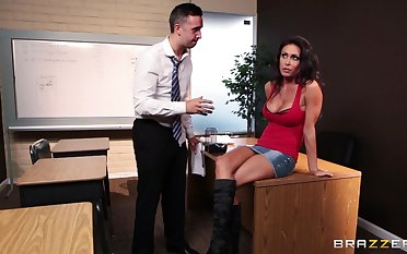 Fucking in transmitted to office ends respecting a messy facial for Jessica Jaymes