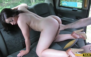 Beloved clumsy ends up fucking for a ride home