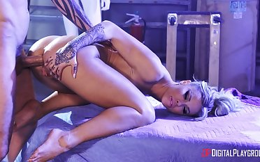 Hardcore pussy and arse ride herd on by a fat cock for Jessa Rhodes