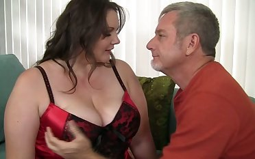 After procurement nude busty SSBBW is preparing to toothsome dude with a blowjob
