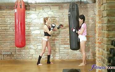 Harmonize chick Katy Rose gets fucked by the brush unlike trainer at the gym