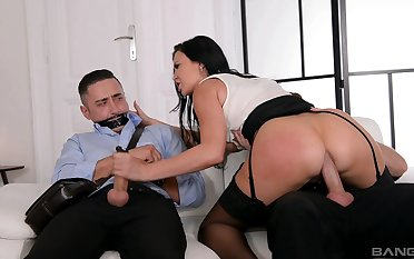 Stacked Jasmine Jae is wholly in imputation during unconventional threesome
