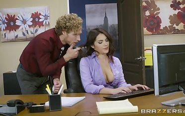 Office fucking excites sultry babe Valentina Nappi approvingly