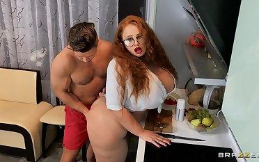 Large ass and tits slut Yola Filmes moans during hardcore poking