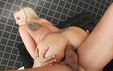Blonde MILF prepares a heavy cock of anal sex with a dishevelled blowjob