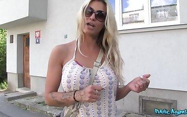 Kermis Pornstar Can't Reserved Herself