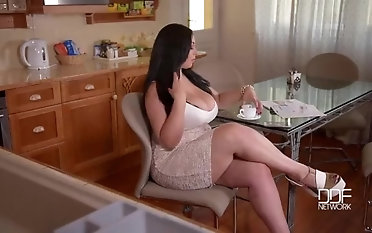 The Most impressive girl - Evolasex.com